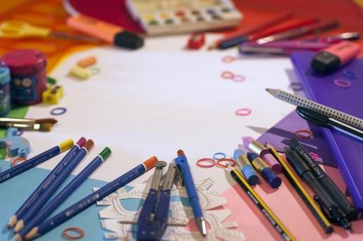 Consejos para ahorrar en la compra de material para la vuelta a las escuelas en septiembre.