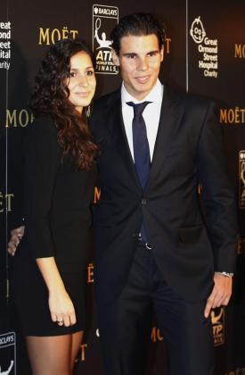 Rafael Nadal y su novia Maria Francisca Perelló, ayer por la noche en Londres.