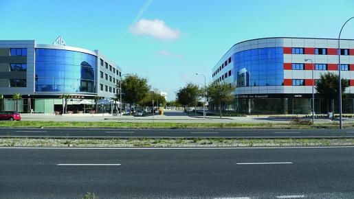 Son Rossinyol @ es un moderno complejo de oficinas y locales comerciales dotados de todas las comodidades para los negocios, así como buenos accesos.