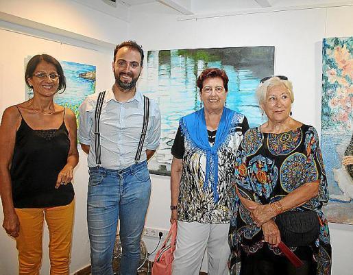 María Elena Alisio, Dani Suasi, María Antonia Noguer y Caty Fiol.