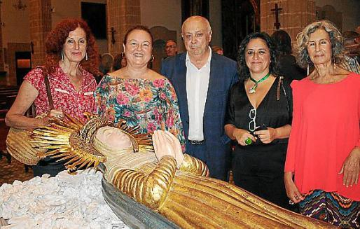 Catalina Sureda, Bàrbara Juan, Joan Guaita, Kika Coll y Dolores Martínez Echevarría.