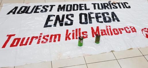 La pancarta que llevaba el colectivo Arran.