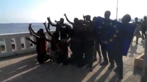 Policías y Guardias Civiles piden a Sánchez que proteja a los agentes en las fronteras.
