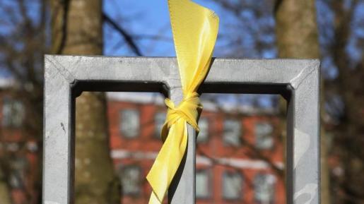 Los lazos amarillos son el símbolo utilizado para pedir la libertad de los presidentes de la ANC y Òmnium, Jordi Sànchez y Jordi Cuixart, y de los posteriores encarcelados por el 'procès'.