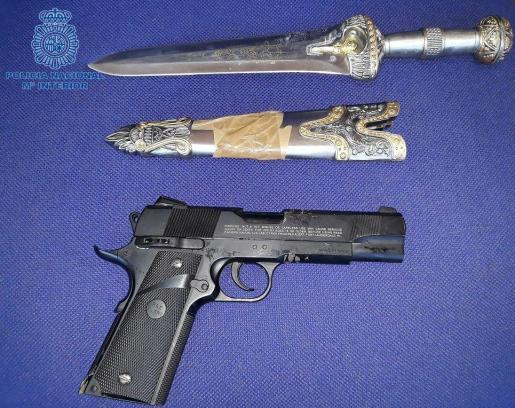 La Policía Nacional ha difundido el material incautado este lunes en los registros realizados en La Soledad.