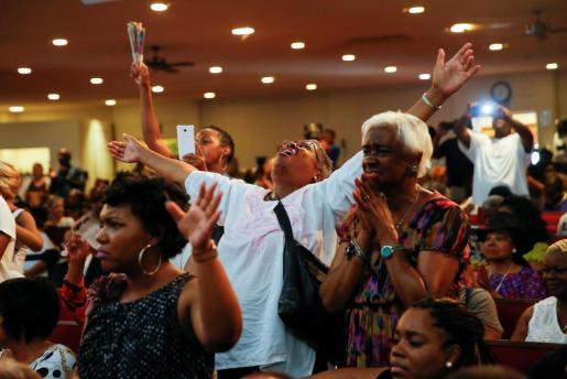 Miles de personas han acudido al funeral de Aretha Franklin.