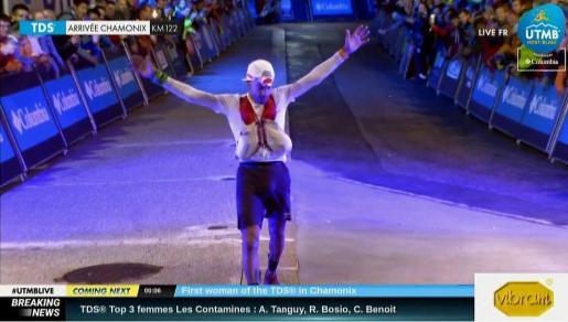 El atleta solleric a la hora de cruzar la línea de meta.