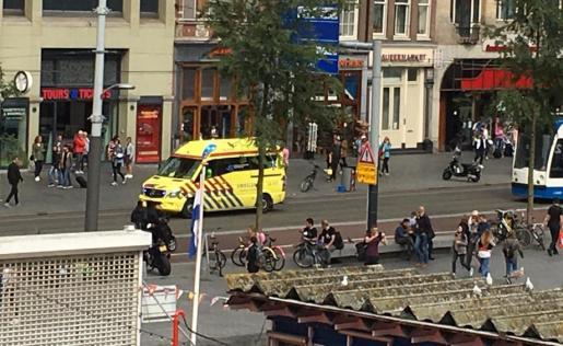 Imagen de los alrededores de la estación de tren de Amsterdam tras el suceso.