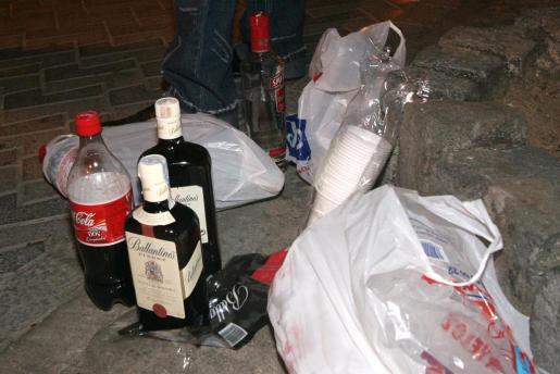 La presencia de menores en las verbenas ha aumentado en los últimos años y el consumo de alcohol no retrocede.