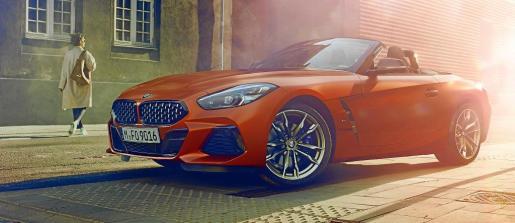 """BMW ha presentado la exclusiva versión """"First Edition"""" del nuevo Z4 que llega con proporciones dinámicas y con un diseño y una deportividad fascinante que le permiten adaptarse al clásico concepto roadster del mundo del hoy y del mañana"""