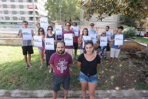 «No entendemos y queremos saber cuáles son las órdenes que cumplió la Policía Local para quitar pancartas de un acto legal y con todos los permisos», han afirmado los portavoces de la organización independentista.