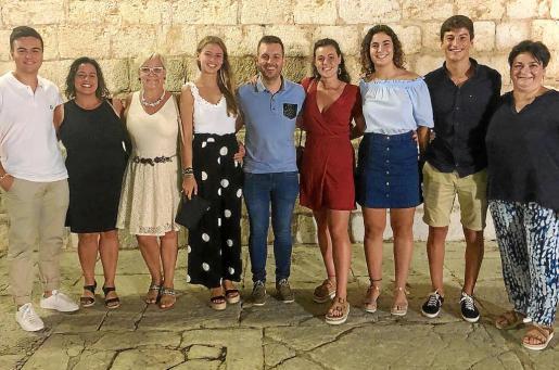 Benito Fuertes, Esparança Argüelles, Magdalena Moyà, Marina Comas, Andreu Villalonga, Maria Aloy, Maria Bibiloni, Pep Bennàssar y Paula Moyà.