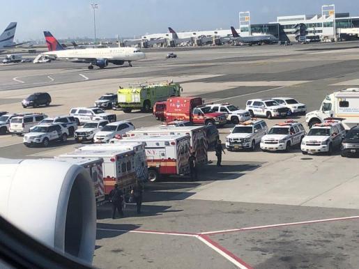 Imagen tomada desde el avión que se encuentra en cuarentena.