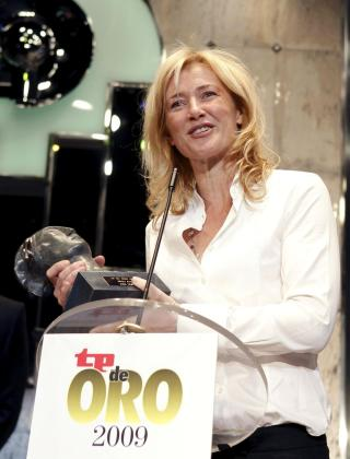 La actriz Ana Duato recoge el TP de Oro a la mejor Actriz.