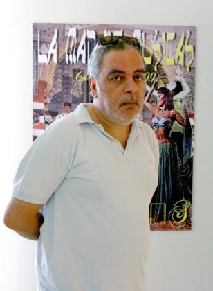Fotografía de archivo del 06/07/09 tomada en Cartagena (Murcia) del ilustrador y pintor madrileño, Carlos Sánchez Pérez, conocido con el nombre artístico de Ceesepe.
