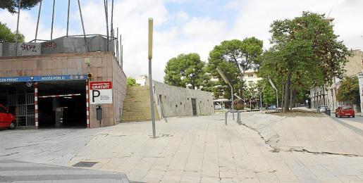 Vista actual de la Plaça Mallorca desde Reis Catòlics.