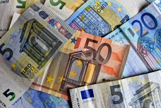 Imagen de billetes de euro.