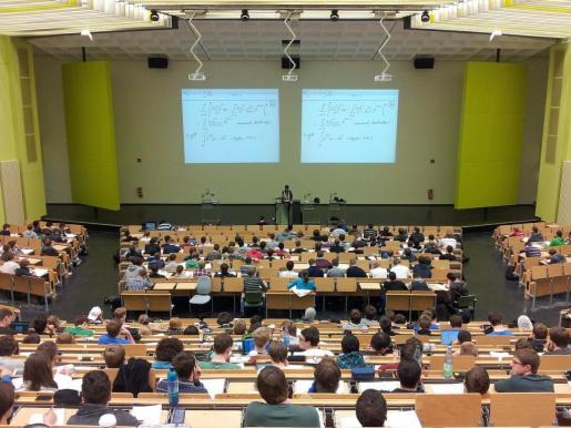 Imagen de archivo de una clase.