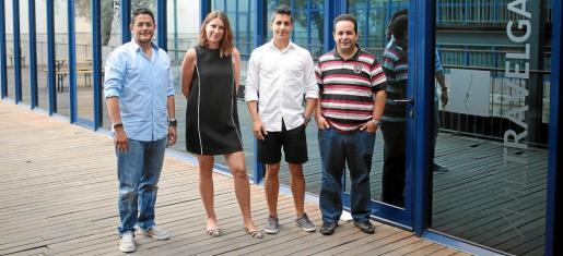 Francisco Cobos, jefe de personal; Luisa Cámara, gerente de negocios; Abel Basalo, jefe de operaciones, y Carlos Tur, jefe de informaciones.