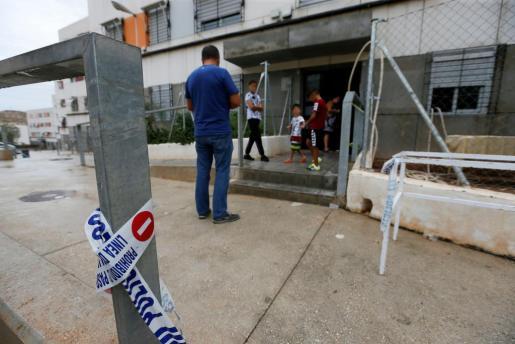 Domicilio situado en el barrio Juan XXIII de Alicante, donde un hombre de 44 años ha sido detenido por, presuntamente, matar a un hermano de 42 años y a sus padres de 71 y 69 años,