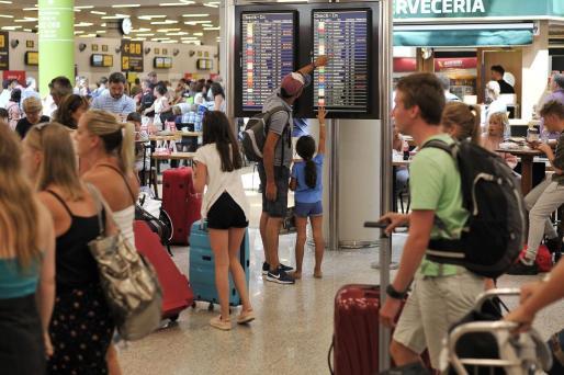 Imagen del aeropuerto colapsado.