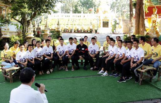 Los doce niños que fueron rescatados de una cueva en Tailandia junto a su entrenador, han ofrecido su última entrevista para explicar que sus vidas han regresado a la normalidad tras el suceso.