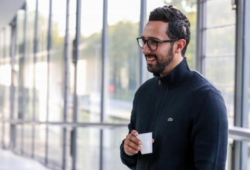 El rapero español Josep Miquel Arenas llega a los juzgados de Gante (Bélgica).