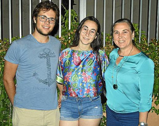 Albert Mathis, Paula Joan y Catalina Mir.