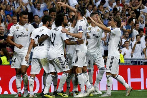 El centrocampista del Real Madrid 'Isco' Alarcón celebra el primer gol de su equipo ante el Roma.