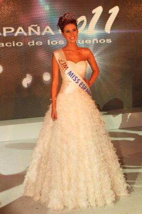 Andrea Huisgen, Miss Barcelona, ha sido elegida como Miss España 2011.