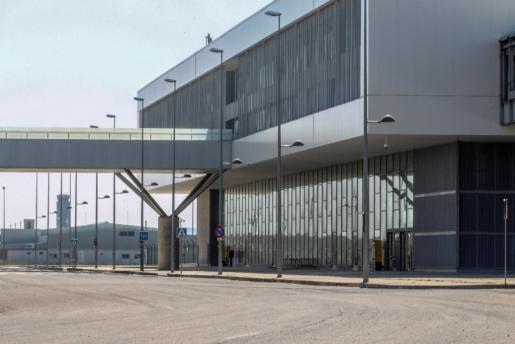 El juzgado ha confirmado que el Gobierno Balear pagará antes de finalizar el año la deuda que mantiene con el comprador del Aeropuerto de Ciudad Real (en la imagen) y que permitirá hacer frente al pago de esta infraestructura.