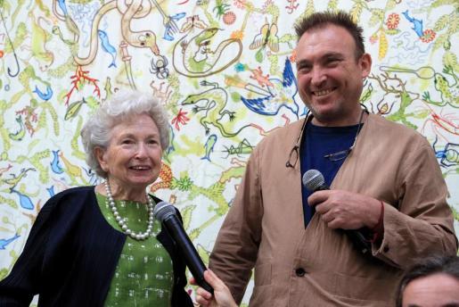 Miquel Barceló y Francisca Artigues, madre del pintor, presentan en el Jardín Botánico 'Vivarium', la exposición con los trabajos de bordado que ella ha hecho sobre los dibujos de su hijo.