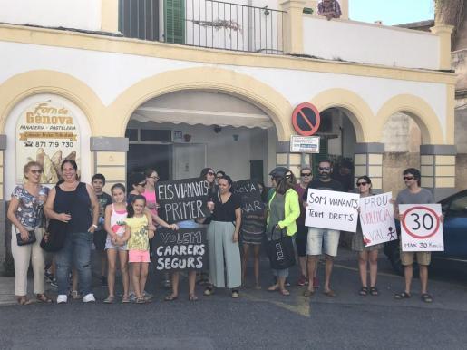 Los vecinos de Génova han salido este domingo para pedir más seguridad vial en la zona.