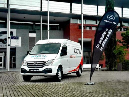 La gama está disponible en tres versiones: furgón de 10,2 m3, 11,4 m3 y un chasis cabina