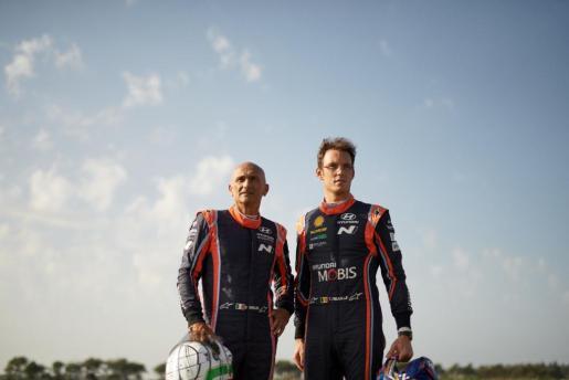 Tarquini y Neuville competirán conduciendo de Roma hasta París.