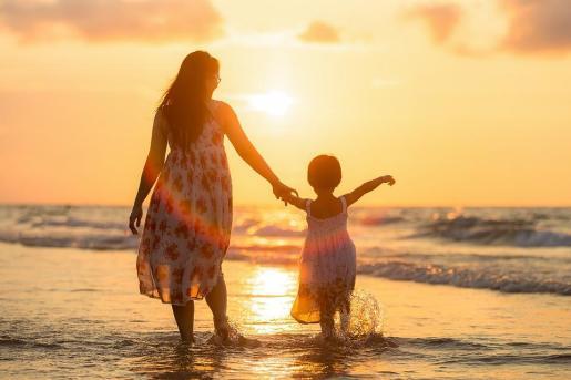 La Sala afirma que esta solución es la mejor «al menos hasta que la situación se reconduzca, como sería deseable, a partir de una mayor relación del padre con su hija».