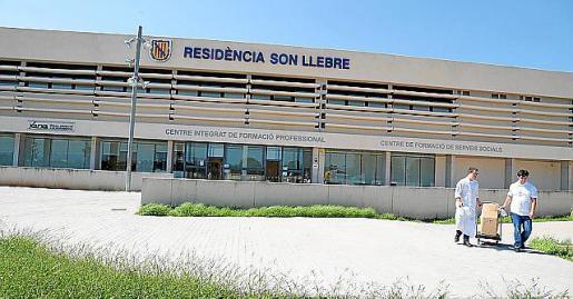 El CIFP Son Llebre se sitúa junto a la residencia.