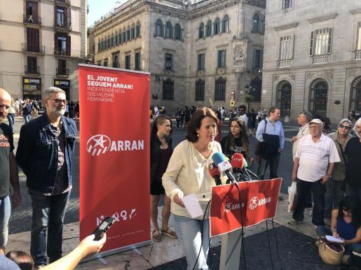 Rueda de prensa conjunta en la plaza Sant Jaume de Barcelona.