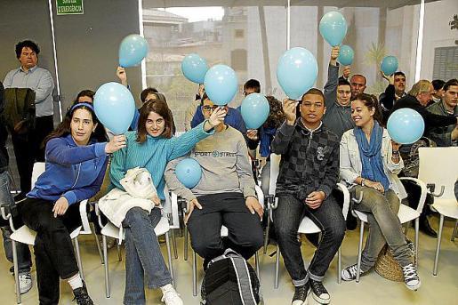 En la imagen, un acto de concienciación sobre el autismo que tuvo lugar en el centro.