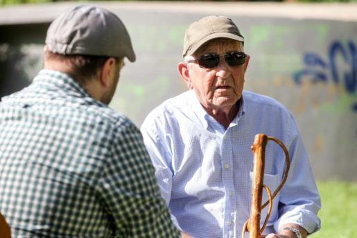 Enrique Torres: «Cada matí anàvem a Can Pou a prendre un cafè amb llet i una ensaïmada».