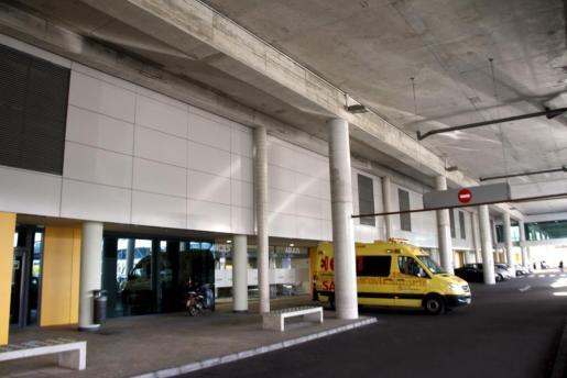El motorista accidentado ha sido ingresado en el hospital Son Espases.