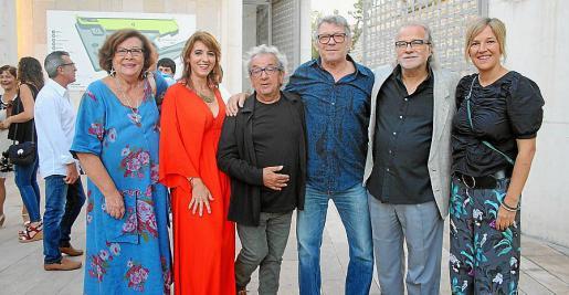 Aina Frau, Llum Barrera, Joan Bibiloni, Llorenç Santamaria, Andreu Manresa y Neus Albis.