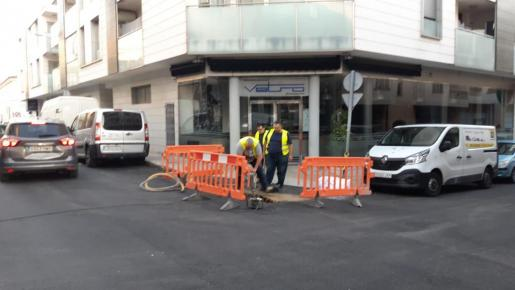 Trabajadores municipales se han hecho cargo de la avería.