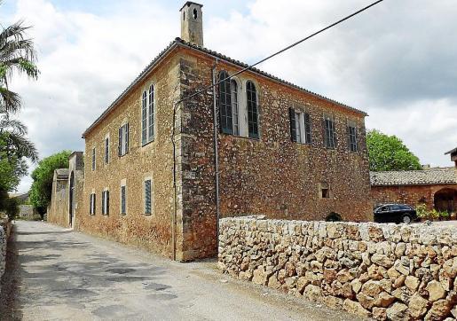 La carretera de Algaida pasa muy cerca de los 'casals' del núcleo de Laiar.
