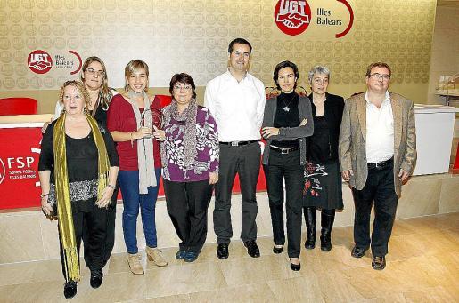 El equipo de Clínica Juaneda con los responsables de FSP-UGT.