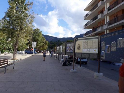 La polémica exposición se ha instalado en el paseo Antoni Montis del Port.