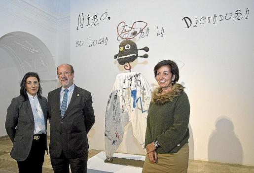 El alcalde de Valladolid, Francisco Javier León de la Riva, en la inauguración de la muestra.