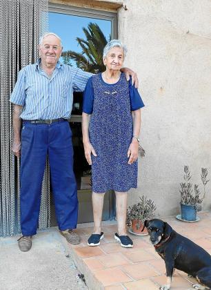 María Barceló Garau y Miguel Adrover Adrover, padres del diseñador.