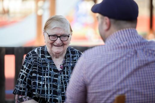 Na Maria Riera té 91 anys, va néixer a Can Casals de Santa Agnès de Corona i es va casar a Buscastell.