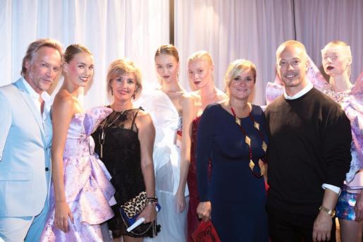 Las modelos de DC Models y el diseñador Claes Iversen con Ger, Nuria Moreno y Marta Díaz.